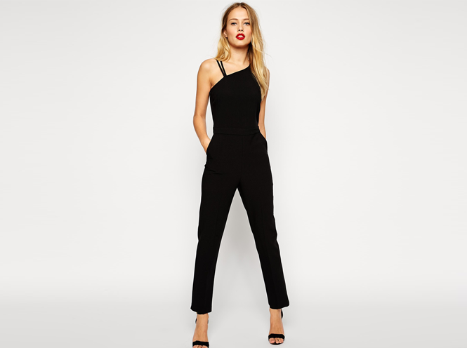 Try out a comfortable knit jumpsuit with a simple tank-style top with your favorite sneakers and a leather jacket, or rock a white jumpsuit with some sky-high heels and gold jewelry for your next big night out.