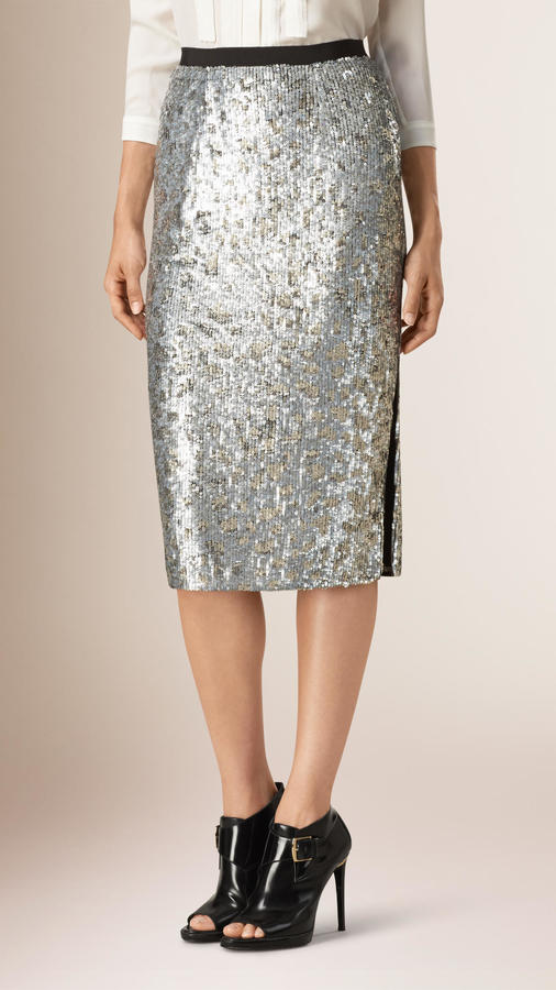 cute christmas party outfits burberry skirt